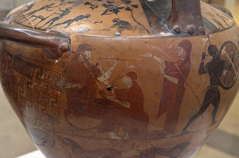 """Zeus pesa los destinos de Aquiles y Memnón en presencia de Eos y Tetis. """"Hidria Ricci"""", de figuras negras de Caere, ca. 520 a. C: Roma. Museo de Villa Giulia."""